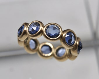 Large blue sapphire ring - 18k gold