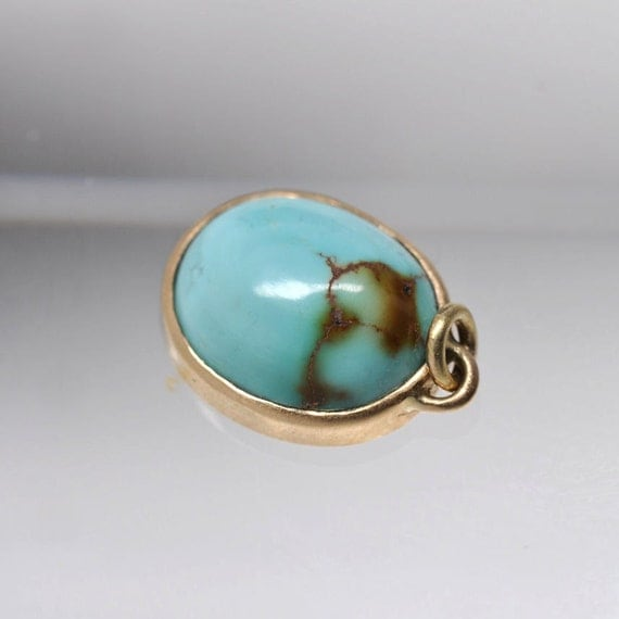 Natural turquoise pendant - 18k yellow gold