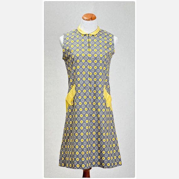 Vintage Gray and Yellow Sleeveless Dress- cotton, flower print, peter pan collar, vestiesteam