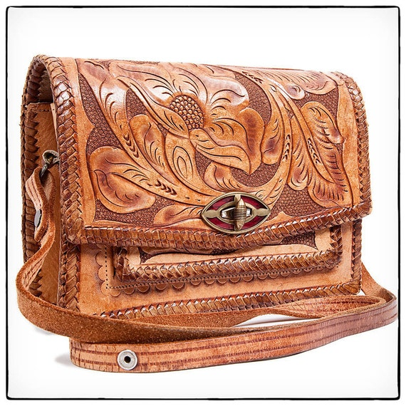 Vintage Hand Tooled Leather Purse, vestiesteam