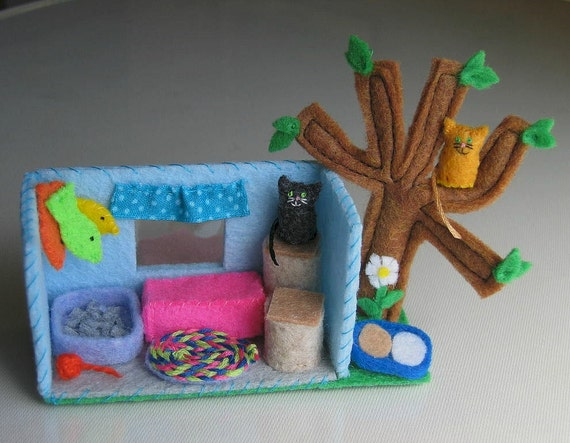 Cats with climbing tree playset miniature plush felt house