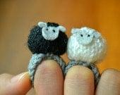 Black sheep white sheep knitted amigurumi ring