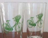 2 Pint Glasses Bike with Flowers
