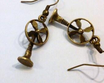 1 Pair of Cool Antique Brass Fan Earrings