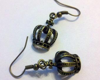 1 Pair of Antique Brass Finish (Bronze) Metal Crown Earrings