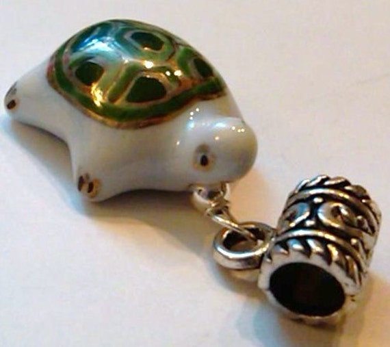 SS Wired Porcelain White Turtle on S/P Bail that fits Chamilia, Troll, and Pandora