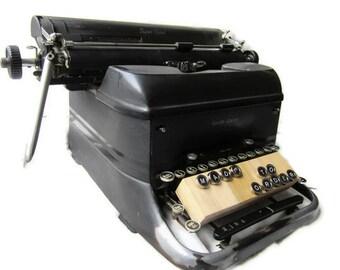 Custom Set of 5 - Replica type keys in chrome frame and backing groomsmen gift idea, wedding favour, custom, vintage, typewriter keys