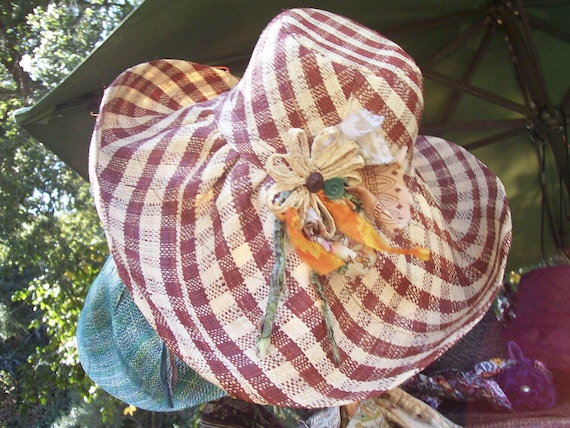 brown & natural gingham sun hat