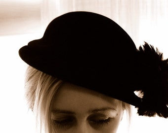 Hat Ladies Velour pillbox Vintage black feathers antique Women's accessory feathered