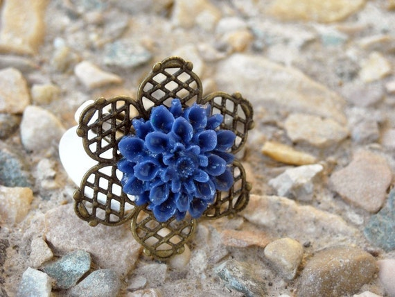 Antiqued blue mum ring................... Fall/Winter collection