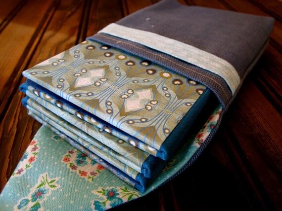 Brag Book for 6 Wallet Photos, Blue Feathery Design