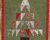 A  Figgy Pudding Christmas. prim modern Christmas quilt