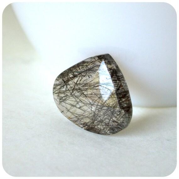 Thick Black tourmalinated quartz flat heart briolette focal P02
