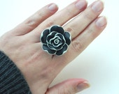 Black Rose Ring - To Order . Polymer Clay Rose, Grey, Gray, Black, White, Two Colors, Romantic, Unique, Handmade, Feminine, Lovely