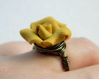 Brown Ring, Mustard Flower Ring. Size 6.25, Jewelry Rings, Cocktail Rings, Caramel, Rustic, Chocolate, Rose RIng, Bridesmaid Gifts, Romantic
