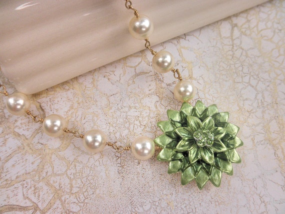 RESERVED LISTING for DEBBY. Flower Necklace- Glamorous, Green, Cream, Beige, Pearls, Ivory, Mint