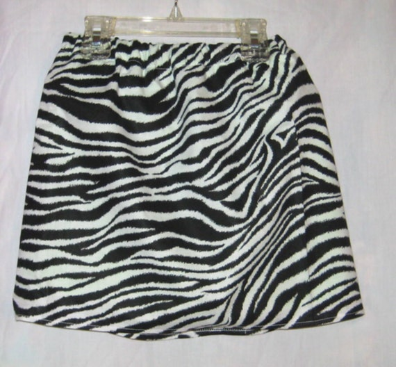 New  black and white zebra print size 4t cotton skort