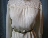 Vintage 70s Cream Lace and Pleat Front Blouse, Size S-M