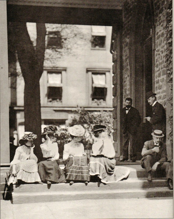 Working Girls Flirt in the City Circa 1900. Vintage Black and White Photography Print. Office, Work, Victorian. (No. 188)