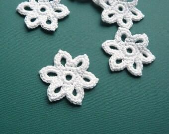 5 Crochet Flower Appliques -- 1-3/8 inch Diameter, in White