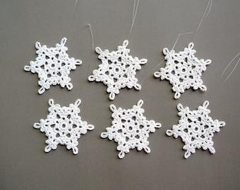 6 Christmas Ornaments -- Medium Crochet Snowflake B30, in White