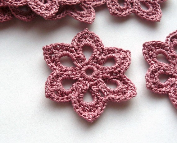 5 Crochet Applique Flowers -- 2 inch Diameter, in Dusty Rose