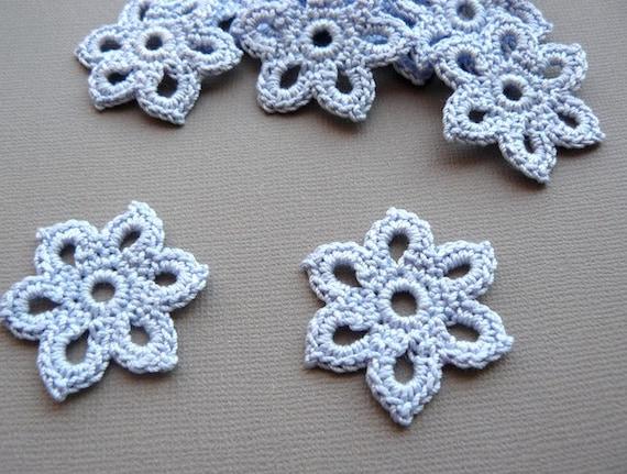 5 Crochet Flower Appliques -- 1-3/8 inch Diameter, in Cornflower Blue
