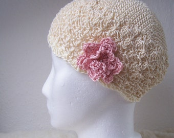 cotton crochet cloche cream with pale pink flower