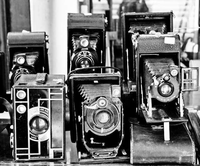 paris photography vintage cameras in black and white. Black Bedroom Furniture Sets. Home Design Ideas
