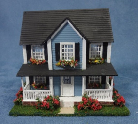 Ho Scale 1 87 Blue Colonial Dollhouse For The Dollhouse