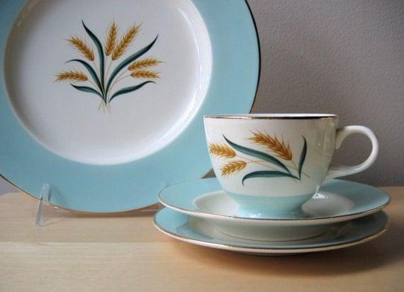 Sale Vintage Mint China Aqua Blue And Wheat Pattern Homer