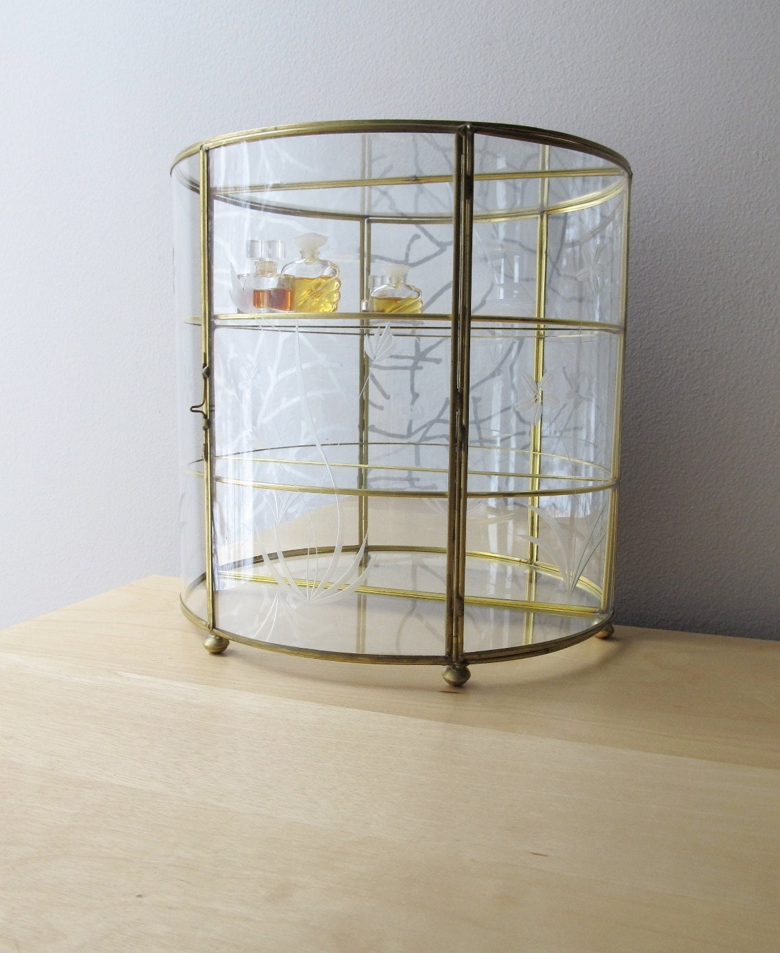 Vintage Curved Glass And Brass Curio Display Case By