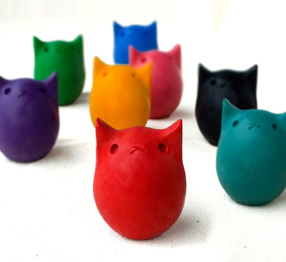 SURPRISE - ONE Kitty Egg Crayon