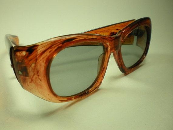 Vintage 1960s Sunglasses Tortoise Shell Plastic Polarized RX