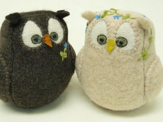 """Wedding Cake Topper I  Do Owl Couple in Dark Brown and Cream Eco Friendly Upcycled Felted Wool Lamb Wool Stuffing Height 5"""""""