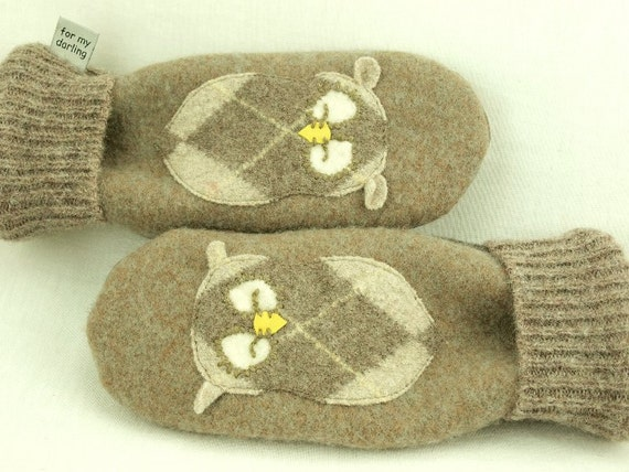 Mittens Felted Wool Recycled Sweater in Light Brown and Beige Owl Applique Leather Palm Fleece Lining Up Cycled Eco Friendly Size S/M