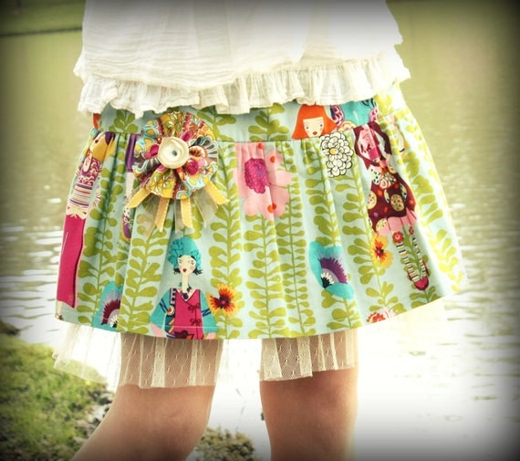 SALE.... Girls Vintage Shab Ruffle Skirt.... Only 1 left... Size 6/6X