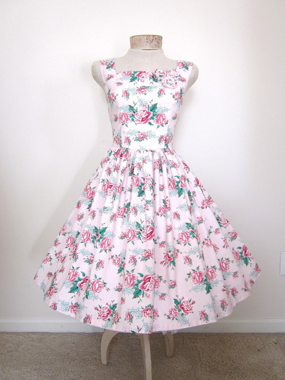 A Bouquet of Roses Vintage Style Dress