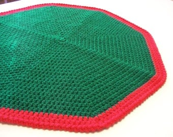Cat Blanket - Round Pet Blanket - 18 Inch Green and Red Pet Bed