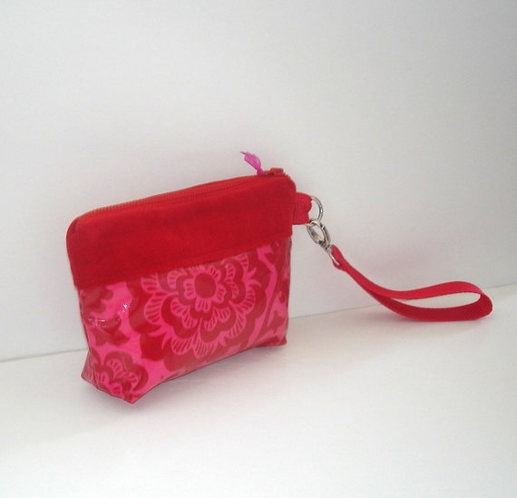 CLEARANCE--Pink and Red Laminated Cotton Wristlet
