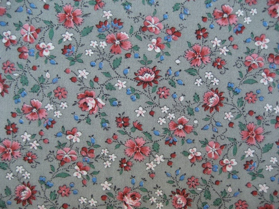 Vintage Cotton Calico Fabric 1980's medium gray/coral flowers 3.5 yards