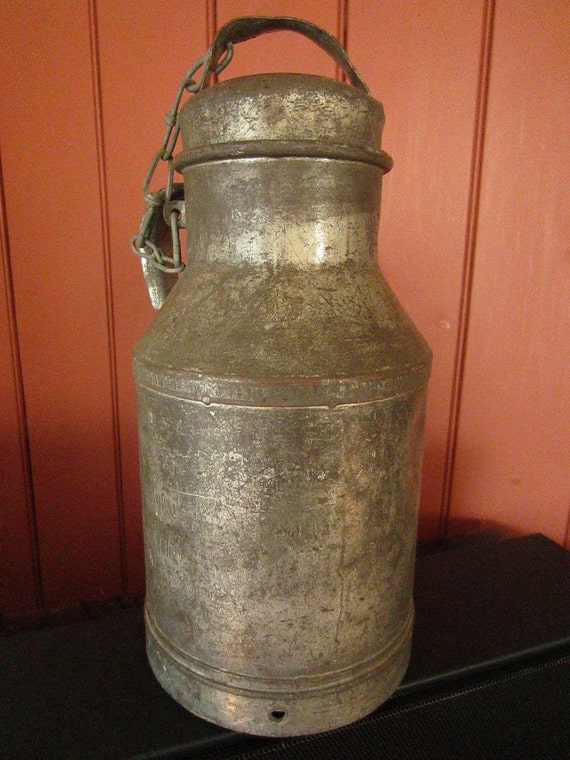 How To Clean Rust Off Metal >> Vintage farm metal milk cream can Buhl Ohio