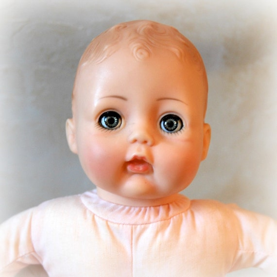 1977 Madame Alexander Huggums Baby Doll Soft By