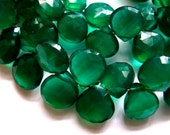 Stunning Emerald Green Onyx 9MM X 9MM Faceted Heart Briolettes --- 15 Stones - Gemstone Beads