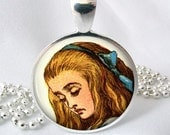 Alice in Wonderland Resin Pendant Resin Jewelry Photo Pendant (0046)