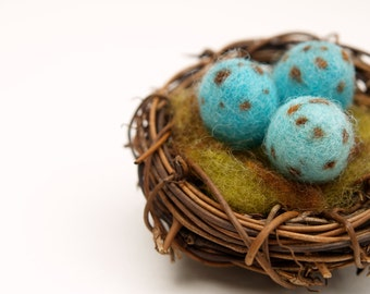 Enchanting Nest with three Speckled Eggs, Robbins Egg Blue Needle Felted Home Decor Christmas Gift