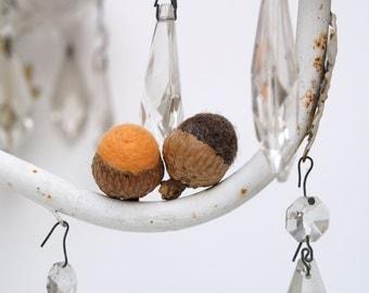 Orange Halloween Acorns, 10 Nature Inspired needle felted felt Eco Friendly home decor wool autumn thanksgiving fall Stocking Stuffer