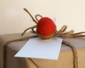 Festive Gift Tags Presents Felted Acorns Handmade Nature Inspired Woodland Red Cute Eco Friendly Fun Winter Wonderland