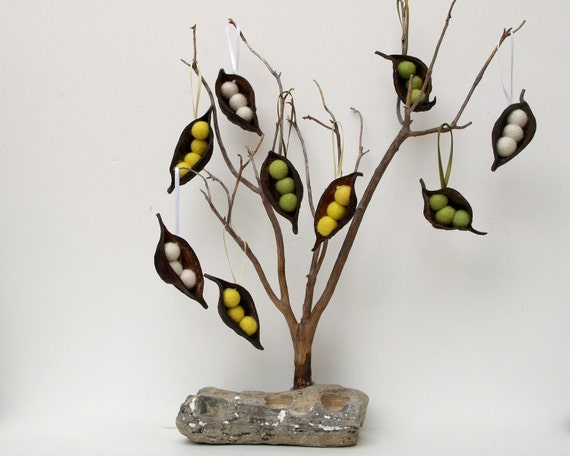 Items Similar To Christmas Tree Ornaments Peas In A Pod 9