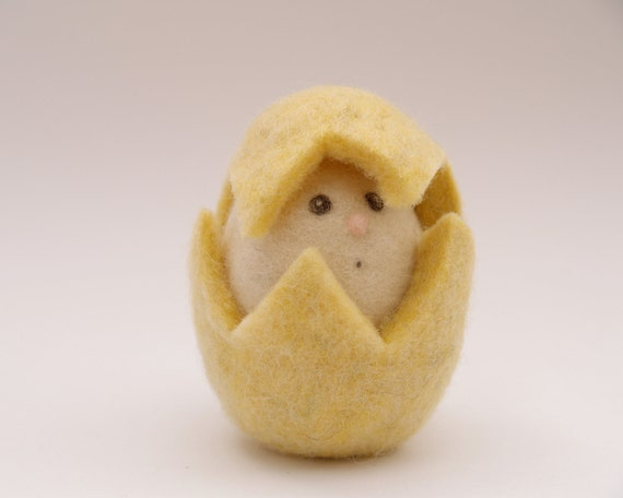 Needle Felted Egg Toy. Waldorf Toy . Yellow . Wool. Eco friendly. All Natural